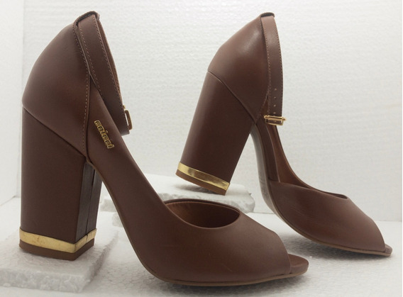 Sapato Colcci - Sandália Salto Alto *usado*