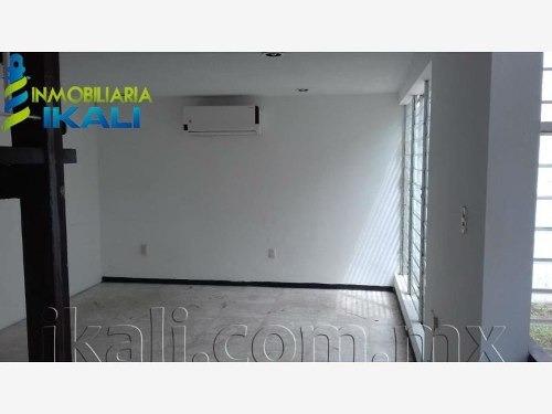 Casa Sola En Renta Ampliacion Santa Elena