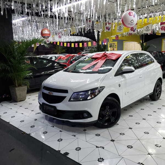 Chevrolet Onix Hatch Selecao 1.0 Flex 8v 5p 2015