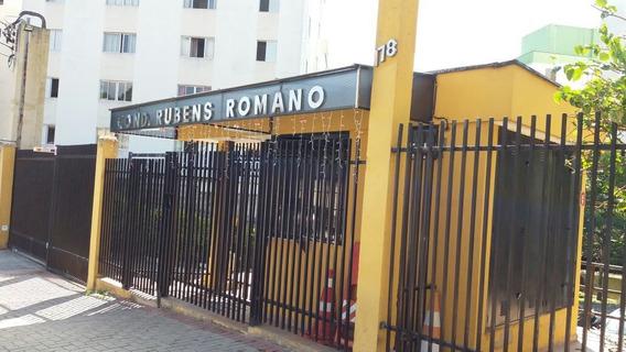 Apto De 2 Dormitórios Na Vila Carmosina