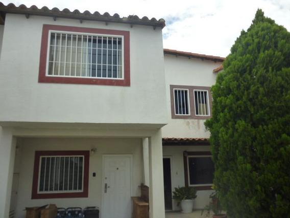 Casa En Venta Cabudare 20-3526 Jcg