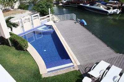 Se Vende Casa En Isla Dorada Dentro De La Zona Hotelera De Cancún