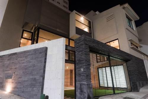 Casa En Venta En Milenio, Moderna, De Lujo, Recamara En Planta Baja