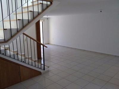Bonita Casa En Renta En Fracc. A 5 Min De Plaza Mayor