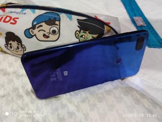 Celular Xiaomi Mi 8 Lite Azul 64 Gb (usado Sem Detalhes)