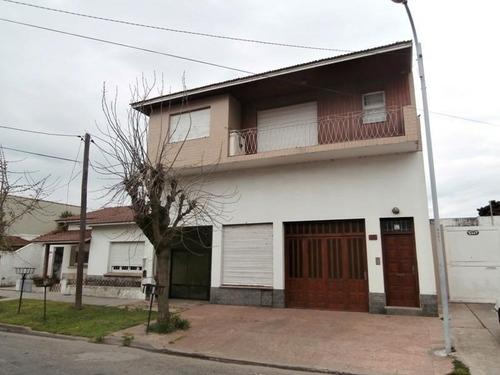 Imagen 1 de 19 de Local Con Vivienda. Barrio El Progreso.