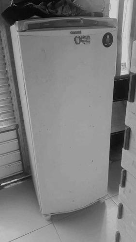 Imagem 1 de 3 de Geladeira Usada