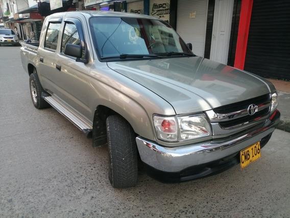Toyota Hilux 2004 2.4l 4x2