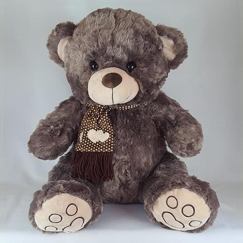 Imagem 1 de 3 de Urso De Pelúcia 60cm Marrom Acinzentado Cachecol Coração