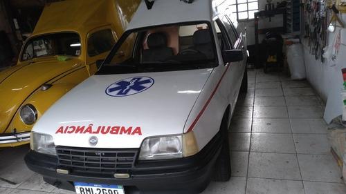 Imagem 1 de 12 de Chevrolet Ipanema Ambulancia