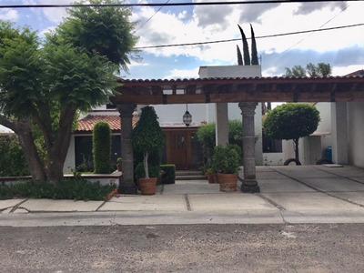 Hermosa Casa En Venta, 2 Propiedades En 1en Juriquilla