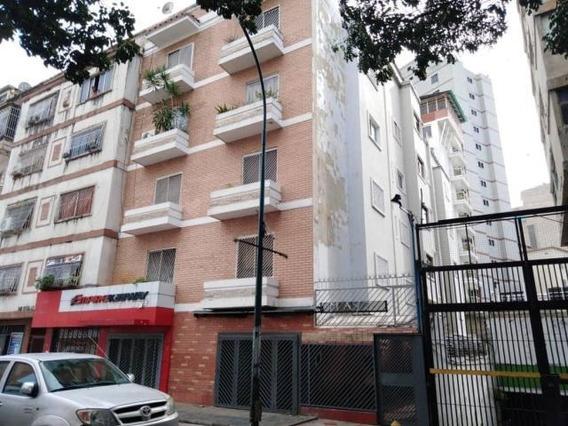 Apartamento En Venta Mls #19-13926