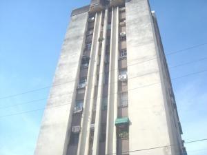 Apartamentos En Venta Camoruco Valencia Carabobo 20-837 Rahv