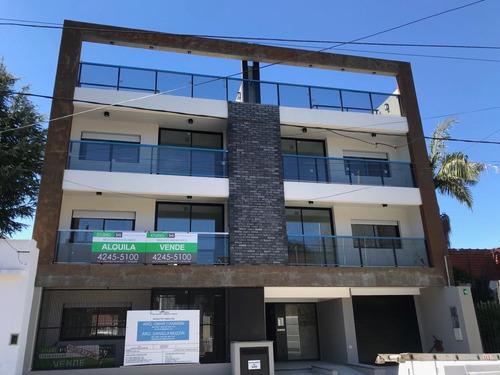 Departamento 3 Amb C/ Cochera En Zona Residencial. Bolívar 434 1ºb