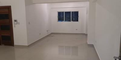 Apartamento En Los Prados Área Social Privada