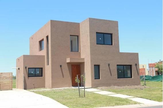Casa En Venta 3 Dormitorios, San Ramiro, Pilar Del Este
