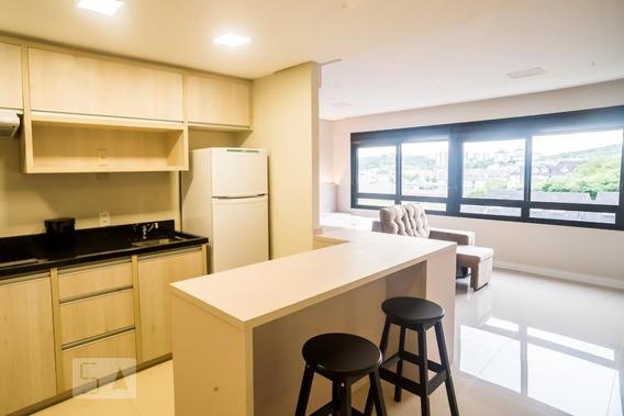 Studio No 7º Andar Mobiliado Com 1 Dormitório E 1 Garagem - Id: 892983571 - 283571