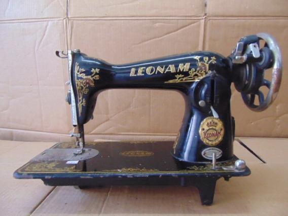 Máquina De Costura Mecânica Antiga