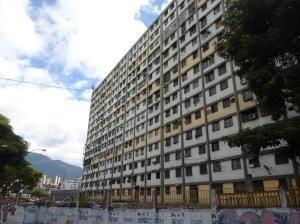 Apartamentos En Venta En El 23 De Enero Mls #20-4178