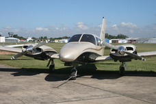 Piloto De Avión - Azafata - Despachante De Aeronaves