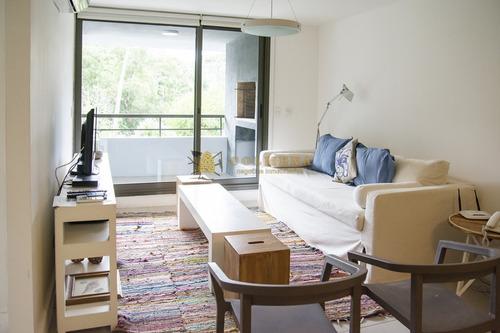 Apartamento De 1 Dormitorio Y Medio, A La Venta, En Punta Del Este- Ref: 3883