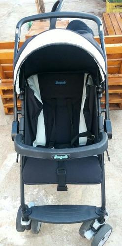 Imagem 1 de 4 de Carrinho De Bebê Com Bebê Conforto.