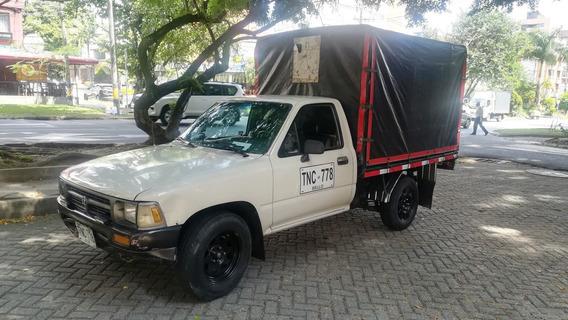Toyota Hilux 2300 4x2