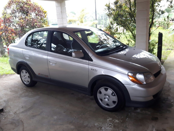 Toyota Echo Americano