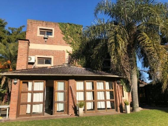 Hermosa Casa En Barrio De Canning, Bajas Expensas!!!