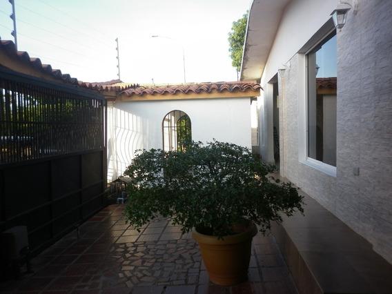 Espectacular Casa - Quinta En Urb. Llano Alto