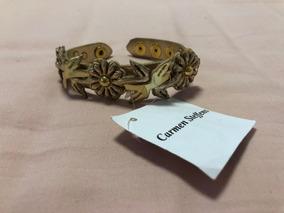 Pulseira Com Detalhes Em Flores Dourada Carmen Steffens