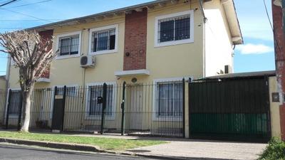 Duplex Tipo Casa 3 Ambientes, Garage Y Jardín - Excelente Es