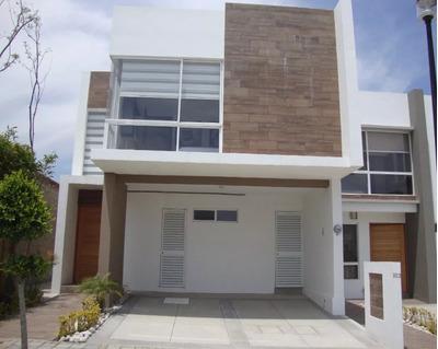 Se Renta Hermosa Casa En Lomas De Angelópolis