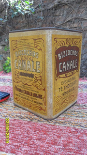 Buen Antigua Lata De Galletitas Canale En Cartón