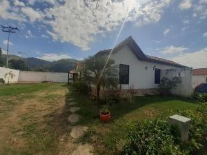 Casa En Venta La Cumaca San Diego Carabobo 20-11251 Rahv
