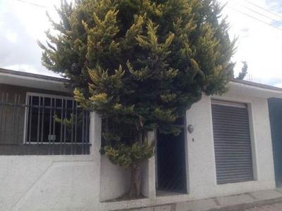 Hermosa Casa De Una Planta Con Local Comercial En Venta En San Jose Tetel !!