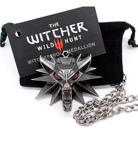 Medalhão The Witcher 3 Pingente Lobo Olhos Vermelhos Geralt