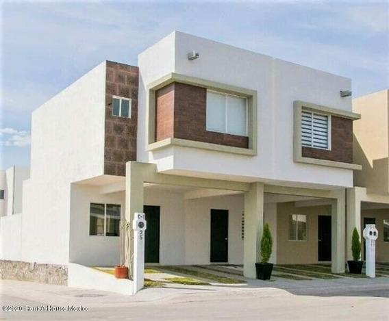 Casa En Venta En Ciudad Del Sol, Queretaro, Rah-mx-20-3032
