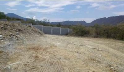Terreno Residencial En Hacienda Los Encinos