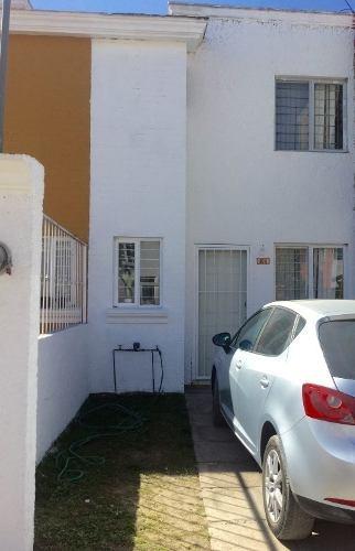 Casa En Privada En Colegio Del Aire / Zapopan - Ber-jal 530-cp