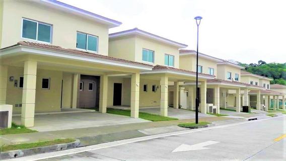 Casa En Venta En Altos De Panama #19-5149hel**