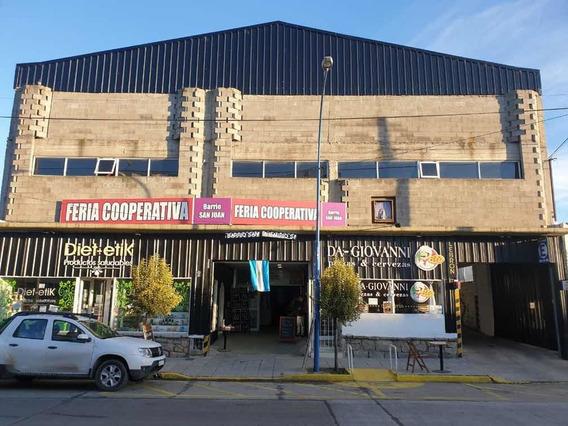 Excelente Propiedad Comercial Garaje En Tres Plantas