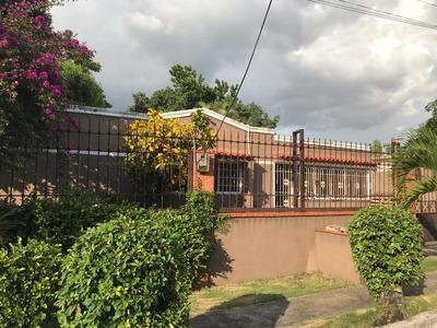 Casa En Lo Mejor De Los Rios En Un Complejo Familiar Seguro