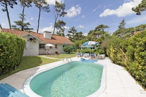 Encantadora Casa En Country, 4 Dormitorios *-ref:3926