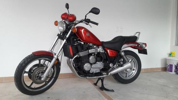 Vendo Moto Clásica Yamaha Maxim 700cc