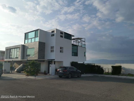 Casa En Renta En Zibata, El Marques, Rah-mx-20-2843