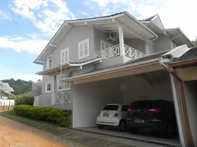 Casa Em Praia Mole, Florianópolis/sc De 350m² 4 Quartos Para Locação R$ 2.000,00/dia - Ca139240