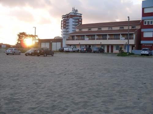 Villa Gesell Casa Triplex De 4 Ambientes Frente Mar Y Atras