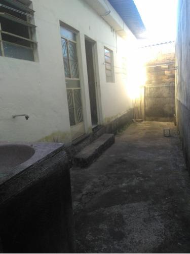 Imagem 1 de 10 de Casa Geminada C/ Acesso Individual Tipo  Kitnet  No Bairro Araguaia C/ Registro C/ 1 Quarto, Sala, Cozinha, Banho E Área Pertinho Do Julia Kubitschek - Oci0079 - 68222080