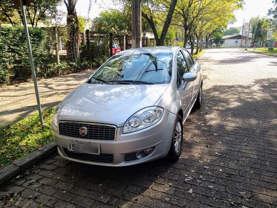 Fiat Linea 1.8 Essence 2011/2012 Flex 16v 4p, Câmbio Manual